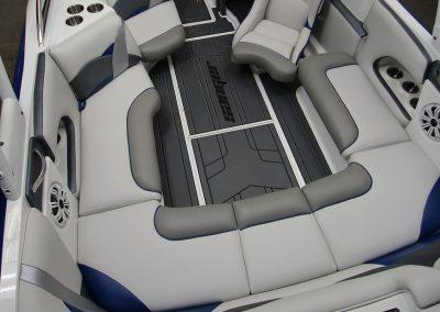 212-SL-interior-overhead