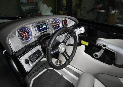 237-XTZ-interior-steering